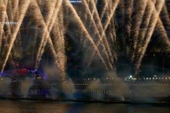 6 Feb Fireworks 4